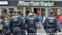 Deutschland Köln HBF 2016   Polizei auf Patrouille