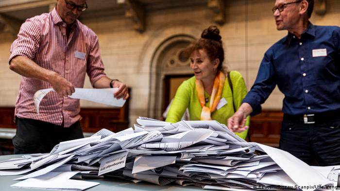 Ballots are being counted after the polling stations closed in Copenhagen City Hall during the final day of the parliamentary elections in Denmark June 5, 2019 (Reuters/Ritzau Scanpix/Uffe Weng)