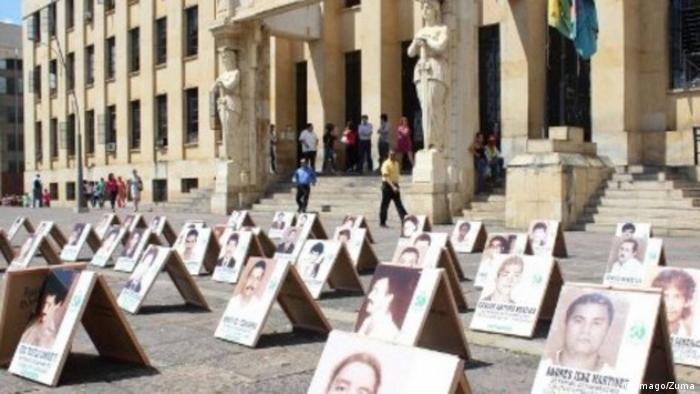 Kolumbien Falsos positivos Gedenken Opfer (Imago/Zuma)