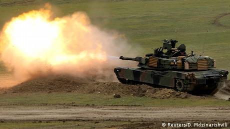 Пекін погрожує Вашингтону санкціями через продаж зброї Тайваню