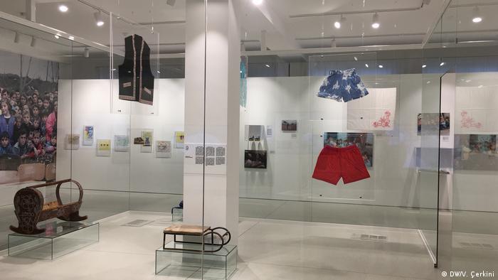 Kosovo Humanitarian Law Centre Kosovo in Pristina | Ausstellung Kinder im Kosovo-Krieg