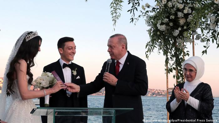 Эрдоган на свадьбе Месута Озила в Стамбуле