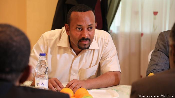 Sudan Krise Vermittlungsversuch Äthiopien Premierminister Abiy Ahmed (picture-alliance/AA/M. Hjaj)