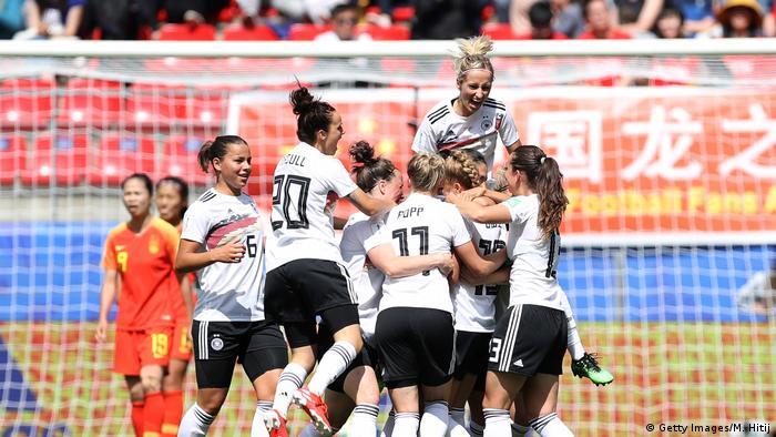 Frauenfussball-WM - Deutschland - China