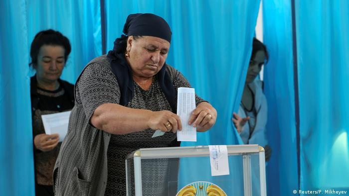 Voters in the village of Tuzdybastau outside Almaty, Kazakhstan