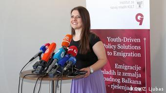 Bosnien und Herzegowina   Junge Menschen sehen ihre Zukunft in der EU   Irhana Cajdin (DW/Z. Ljubas)