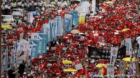 Hong Kong - Demonstration gegen das Zulassen der Auslieferungen nach China (picture-alliance/AP PHoto/V. Yu)