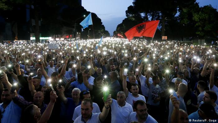 Albanien Anti-Regierungsproteste in Tirana