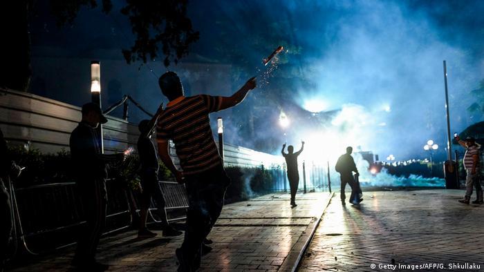Albanien Anti-Regierungsproteste in Tirana (Getty Images/AFP/G. Shkullaku)