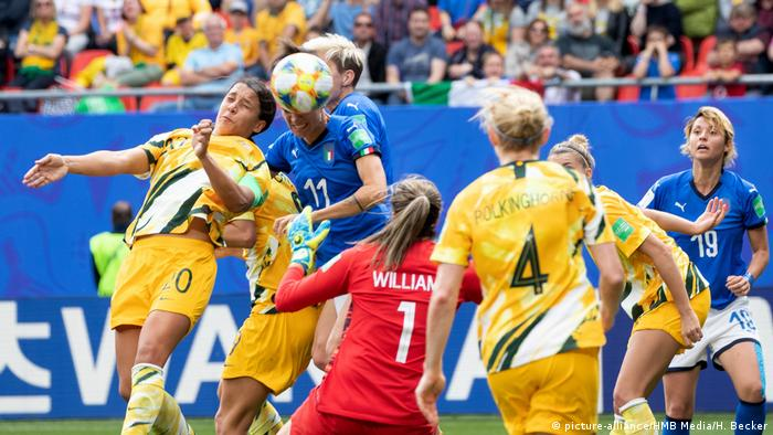 Fussball FIFA Frauen WM Australien - Italien (picture-alliance/HMB Media/H. Becker)