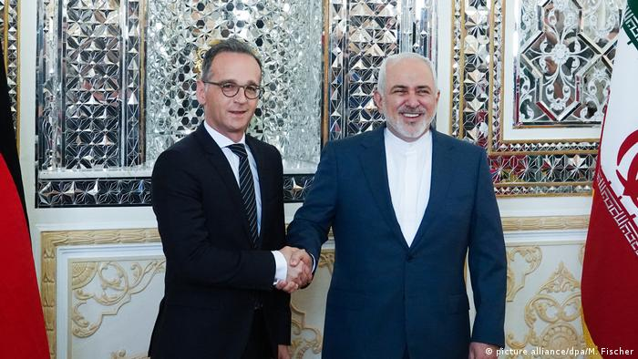 German Foreign Minister Heiko Maas shakes hands with Javad Zarif in Tehran