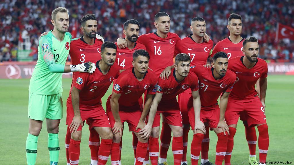 Turkey slams Iceland over treatment of national football team | News | DW | 10.06.2019
