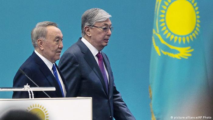 Первый и второй президенты Казахстана Нурсултан Назарбаев и Касым-Жомарт Токаев