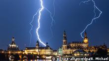 Deutschland Gewitter in Dresden BdT