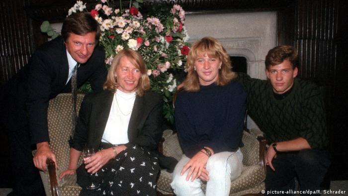 Штеффи Граф с семьей на фото 1988 года