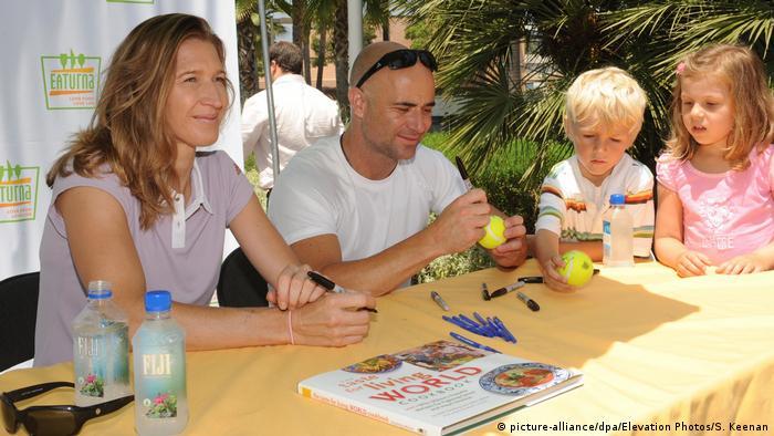Steffi Graf con Andre Agassi y sus hijos.