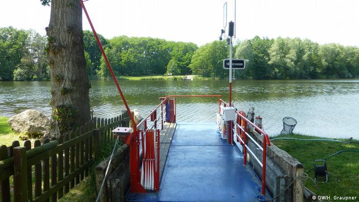 Hand-powered ferry in Leissnitz, Brandenburg (Germany)