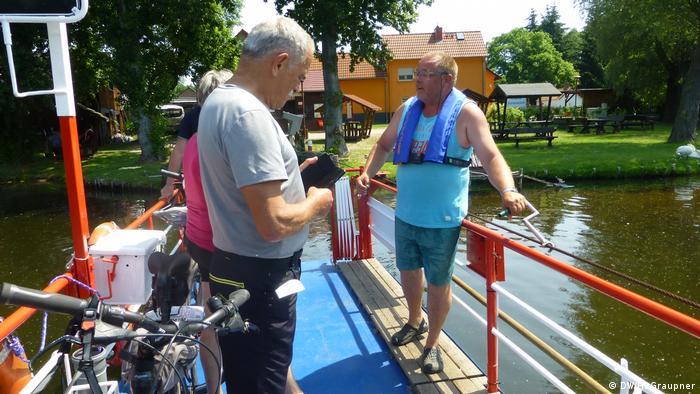 Ferryman Maik Slotta in action