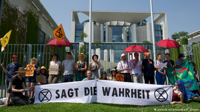Extinction Rebellion demonstrators at the Chancellery in Berlin