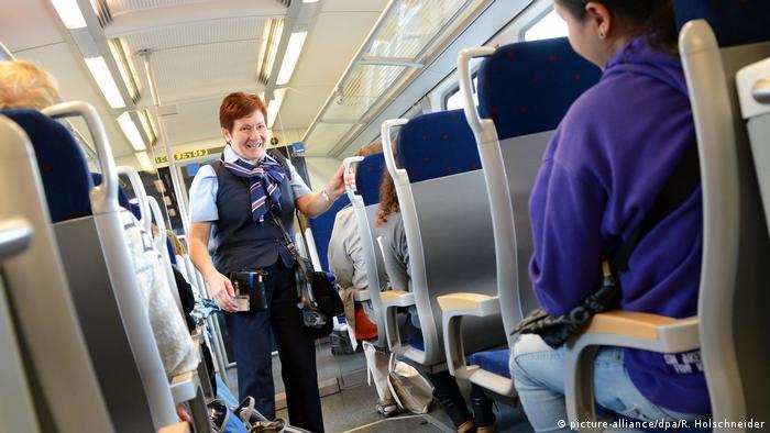 Проверка билетов в региональном поезде