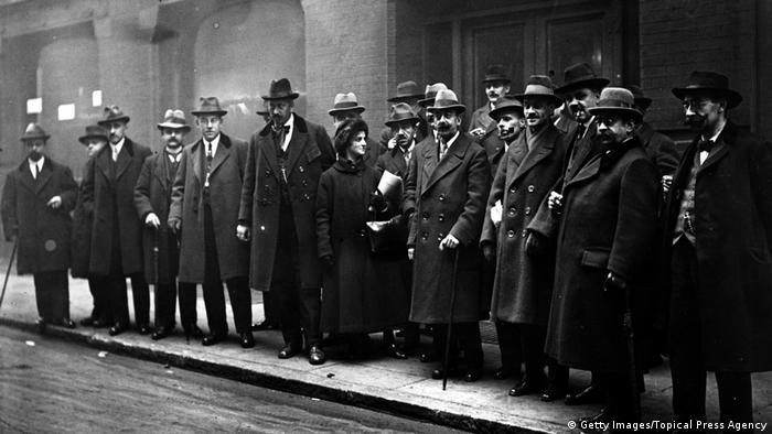 Eine Gruppe von ILO-Delegierten, die sich zur Internationalen Arbeitskonferenz im November 1920 in London eingefunden haben (Foto: Getty Images/Topical Press Agency)