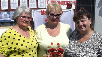 Активистки Движения матерей 328 Лариса Жигарь, Людмила Кулинич, Елена Кузьмина (слева направо)
