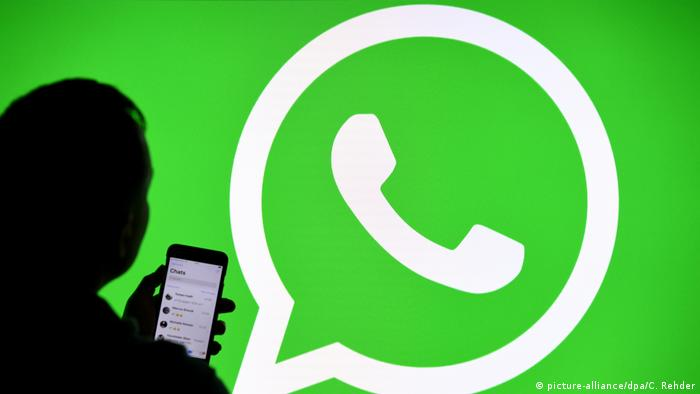 WhatsApp - Instant-Messaging-Dienst (picture-alliance/dpa/C. Rehder)