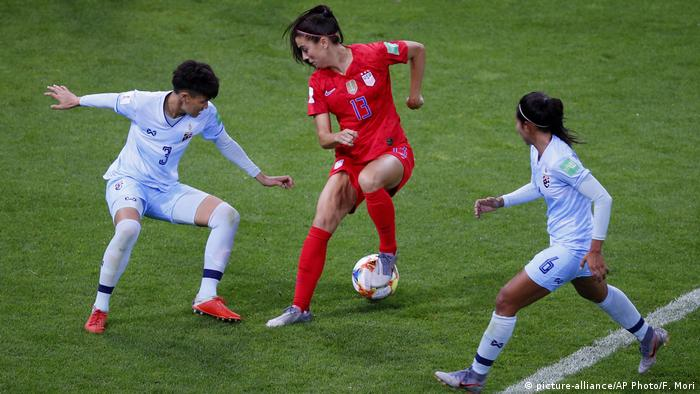 Women's World Cup - Group F - USA v Thailand (picture-alliance/AP Photo/F. Mori)