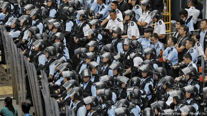 Hongkong Demonstration gegen das Zulassen von Auslieferungen nach China (picture-alliance/AP Photo/V. Yu)