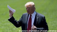 USA Donald Trump zeigt Abkommen mit Mexiko