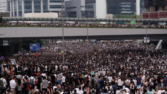 Hongkong Demonstration gegen das Zulassen von Auslieferungen nach China (Reuters/T. Siu)