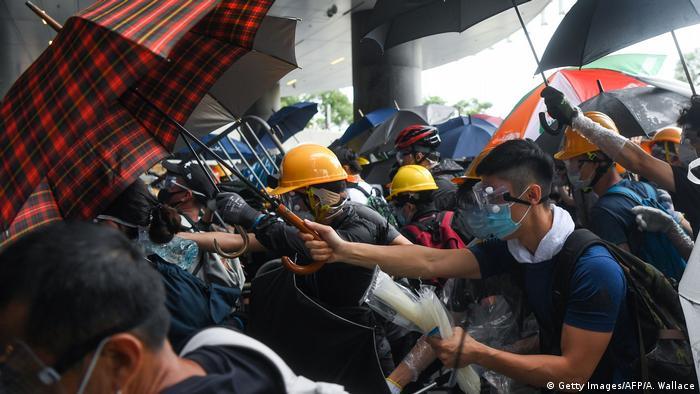 Hongkong Protest gegen Auslieferungen nach China & Ausschreitungen (Getty Images/AFP/A. Wallace)