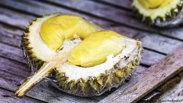 Thailand | Durian - Frucht (Imago Images/Westend61)