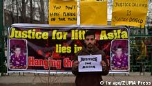 February 22, 2018 - Srinagar, India - A Kashmiri boy takes part in a protest in Srinagar..The members of the Civil society and students in Kashmir on Thursday held a peaceful demonstration demanding capital punishment for the accused involved in rape and murder of 8 year old girl Asifa Bano in JammuÖs Kathua district. Srinagar India PUBLICATIONxINxGERxSUIxAUTxONLY - ZUMAs197 20180222_zaa_s197_020 Copyright: xSaqibxMajeedx/xSopaxImagesx