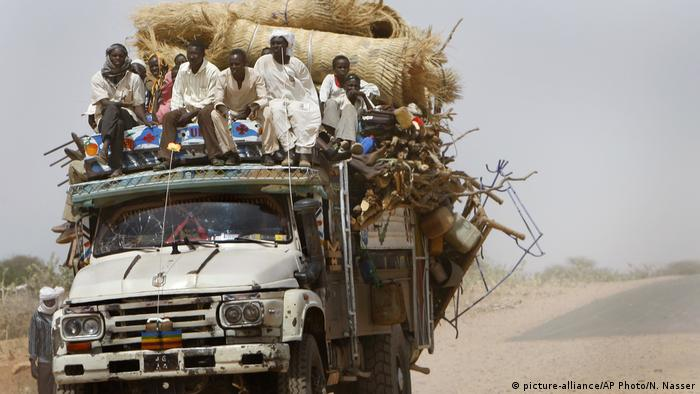 Sudan al-Fasher | Flüchtlinge auf dem Weg ins Zamzam Camp