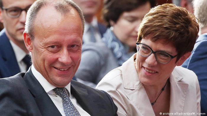 Friedrich Merz dhe Annegret Kramp-Karrenbauer (picture-alliance/dpa/W. Kumm)