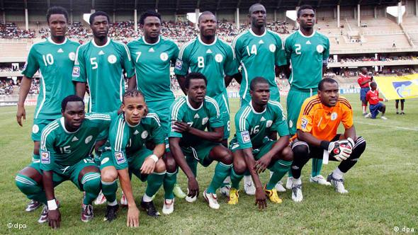 FIFA WORLD CUP 2010 TEAMS Picture taken 14 November 2009 of team Nigeria prior to the FIFA World Cup 2010 qualification match against Kenya in Nairobi, Kenya. Back from left: John Obi Mikel, Obinna Nwaneri, Michael Eneramo, Aiyegbeni Yakubu, Seyi Olofinjana, Joseph Yobo. Front from left: Onyekachi Apam, Peter Odemwingie, Ebenezer Ajilore, Uwa, goalkeeper Vincent Enyeama. Nigeria is among the 32 teams that qualified for the FIFA World Cup 2010. EPA/STAFFORD ONDEGO