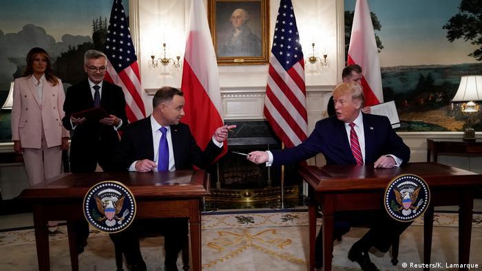 Полският президент Дуда и президентът на САЩ Доналд Тръмп