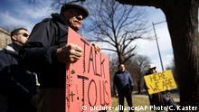 USA Protest gegen Missbrauch in der Katholischen Kirche (picture-alliance/AP Photo/C. Kaster)