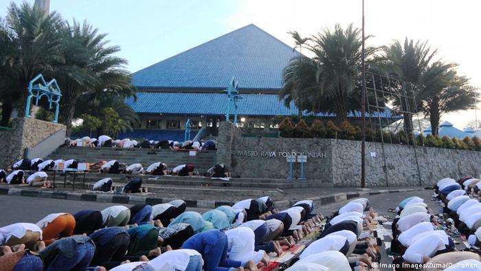 Indonesien Jakarta Pondok Indah Moschee (Imago Images/Zuma/D. Pohan)