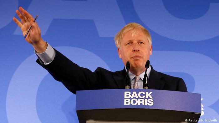 Boris Johnson making a campaign speech