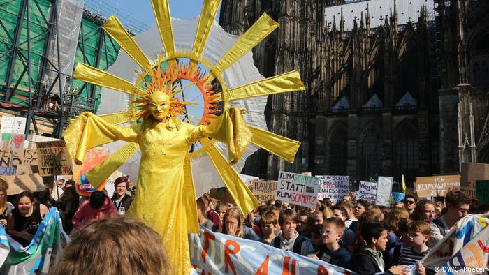 Köln Demonstration Fridays for future (DW/G. Rueter)