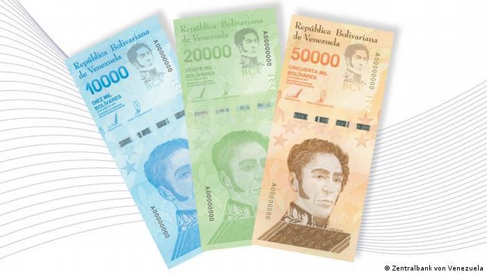 Купюры номиналом в 10 тысяч, 20 тысяч и 50 тысяч боливаров