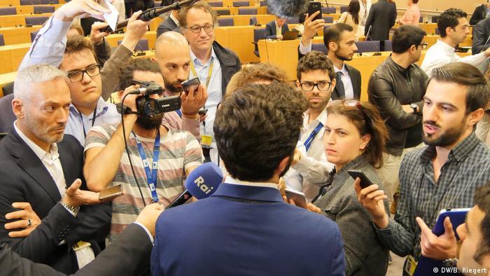 Belgien Brüssel | Europäisches Parlament - Pressekonferenz: Rechtspopulistische Fraktion gegründet (DW/B. Riegert)