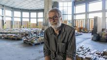 Griechenland Buchladen zu Gunsten von Obdachlosen in Athen   Leonidas Koursoumis