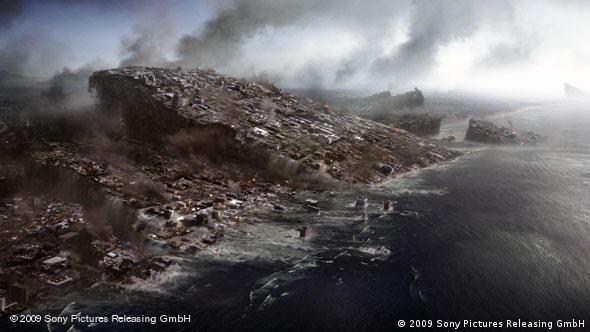 Калифорния уходит под воду. Кадр из фильма ''2012''