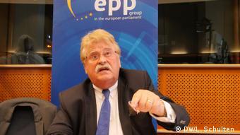 Elmar Brok (DW/L. Schulten )