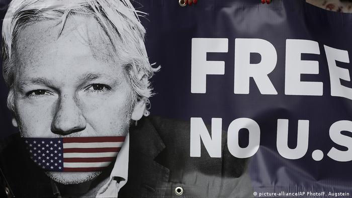 London Assange Auslieferungsverfahren verschoben (picture-alliance/AP Photo/F. Augstein)