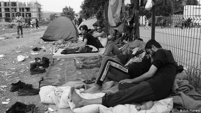 Nepodnošljiva situacija za građane i migrante u Bihaću | Politika ...