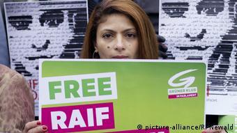 Ensaf Haidar, Frau des Bloggers Raif Badawi (picture-alliance/R. Newald)